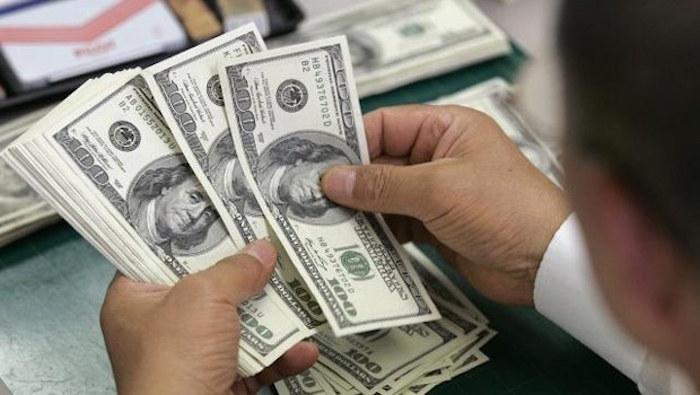 Dólar se recupera y alcanza 19.28 pesos a la venta en bancos