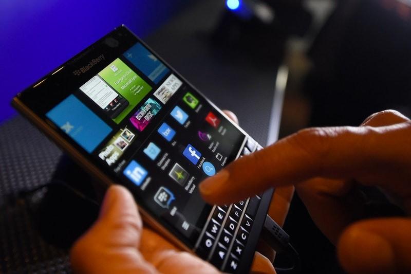 BlackBerry demanda a Facebook por violación de patentes: reporte