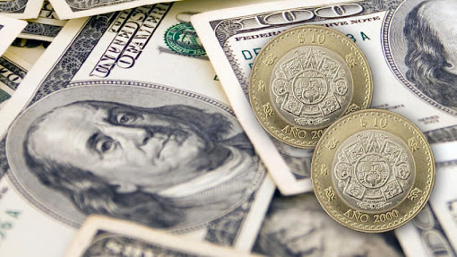 Dólar promedia en 18.70 pesos en el aeropuerto de la CDMX