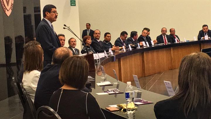 Corte avala revisiones policiacas sin orden judicial