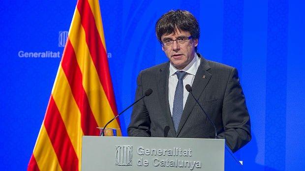 Miles de personas protestan en Barcelona contra la detención de Puigdemont