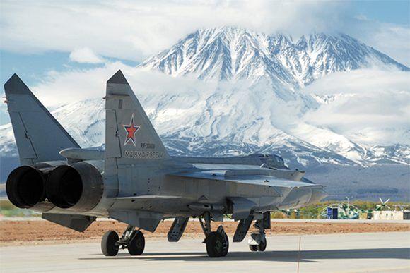 Asegura rusia control sobre los cielos del artico 01 580x387