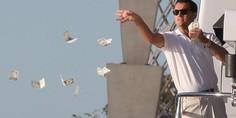 Relacionada di caprio tirando billetes