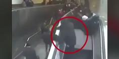 Relacionada escalera mecanica se traga a hombre