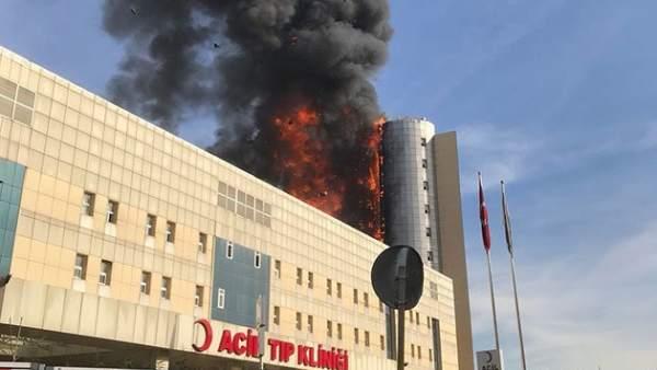 Incendio en hospital de Estambul obliga a evacuar a los pacientes — Turquía