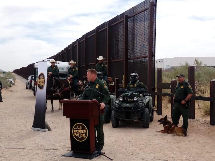 Inicia la construcción del muro de Trump — FOTOS