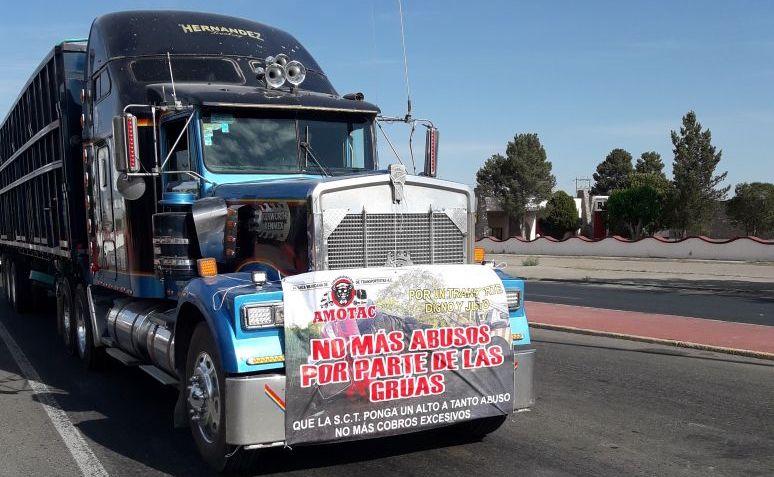Transportistas de carga protestan en Veracruz y Querétaro