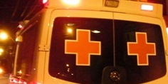 Relacionada ambulancia cruz roja de noche