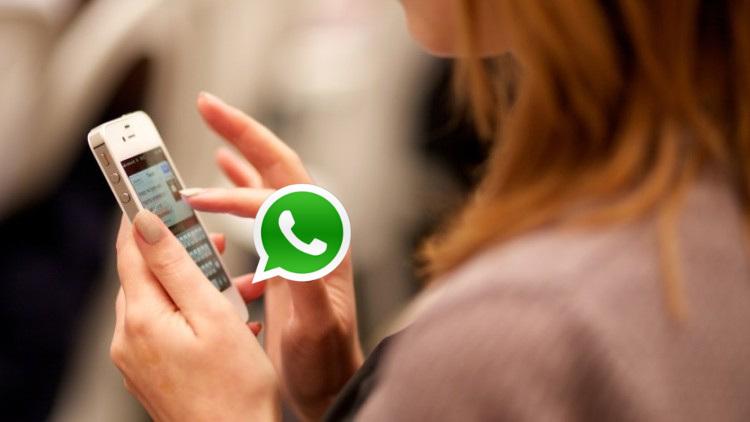Mujer audio whatsapp