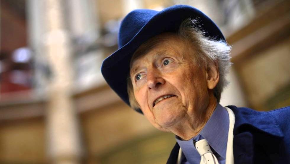 Murió el escritor y periodista Tom Wolfe a los 88 años