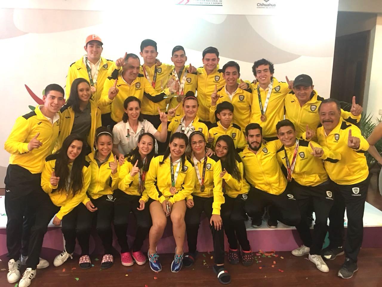 Raquet chihuahua champ
