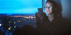 Relacionada telefono celular noche