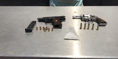 Relacionada pistolas y cristal