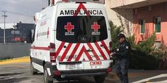 Relacionada cruz roja ambulancia