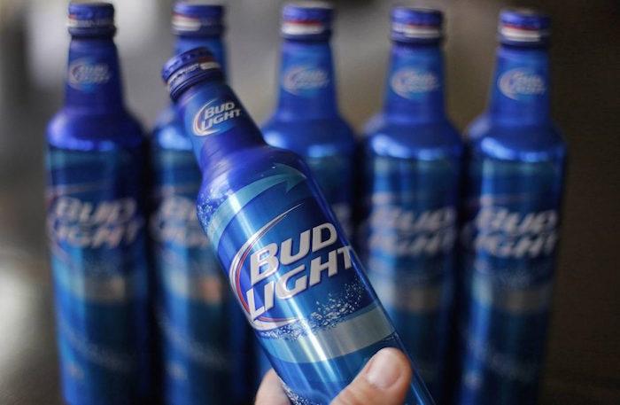 Cervecera ofrece chelas gratis si México le gana a Brasil