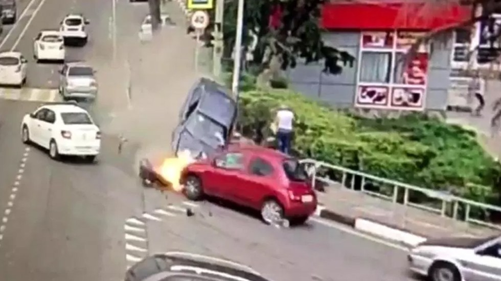 Automóvil atropella peatones en Sochi, hay un muerto