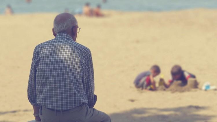 Anciano playa