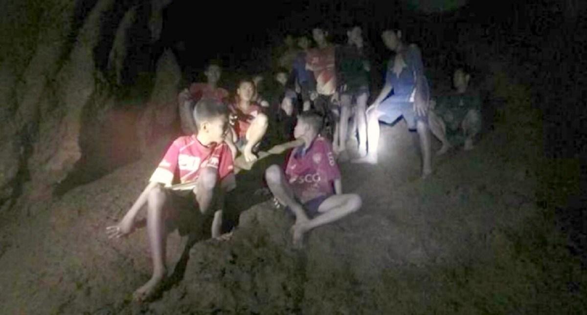 Ninos en cueva tailandesa