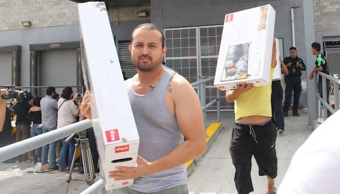 Por error, Aurrerá ofrece televisiones en 5 pesos en Cd. Juárez