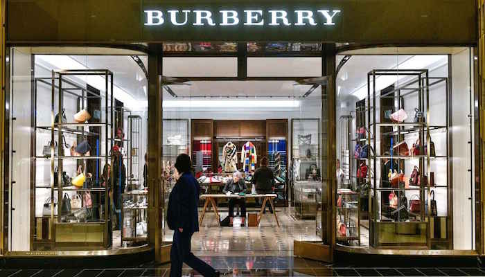 Burberry quemó productos valorados en 32 millones de euros