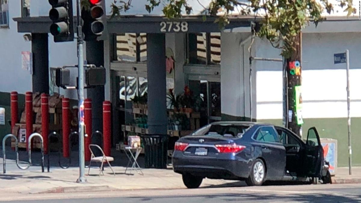 Los Ángeles: Toma de rehenes en tienda Trader Joe's deja un muerto