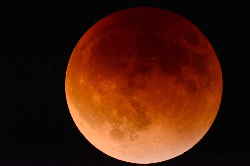 El eclipse lunar más largo del siglo XXI