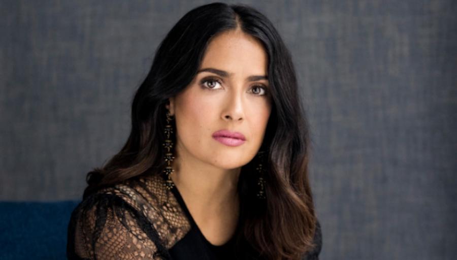 Salma Hayek se olvida del glamour y muestra cómo luce al despertar