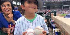 Relacionada ni o pelota beisbol