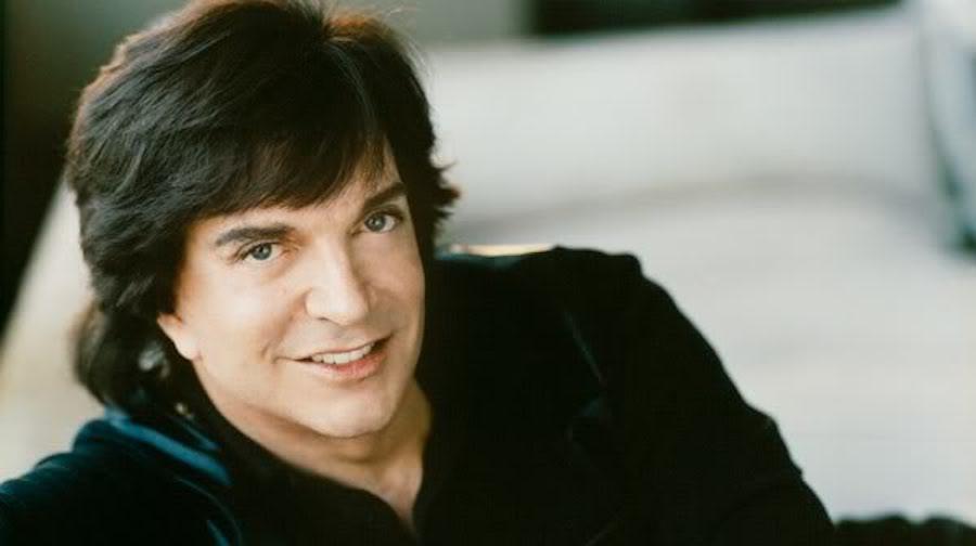 Camilo Sesto sale del hospital y publicará disco sinfónico