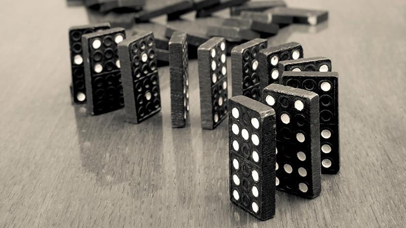 Una mosca tira una ficha de dominó y frustra un récord mundial