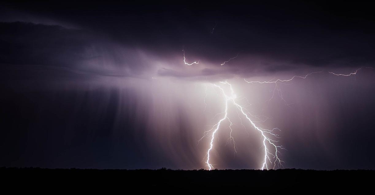 Lightning bolt 768801 1280