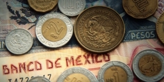 Relacionada mexican pesos 2 mexican paper money and metal coin currency blurred and goes into focus slowly v1pv woc  f0009