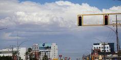 Relacionada nublado puente libre
