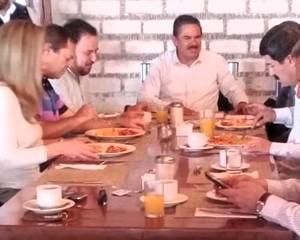 Medium desayuno corral en creel