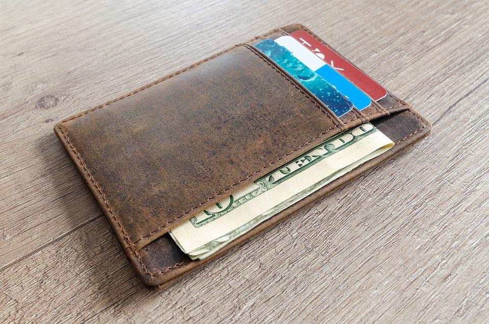 Mundo: Limpió su billetera y se ganó un millón de dólares