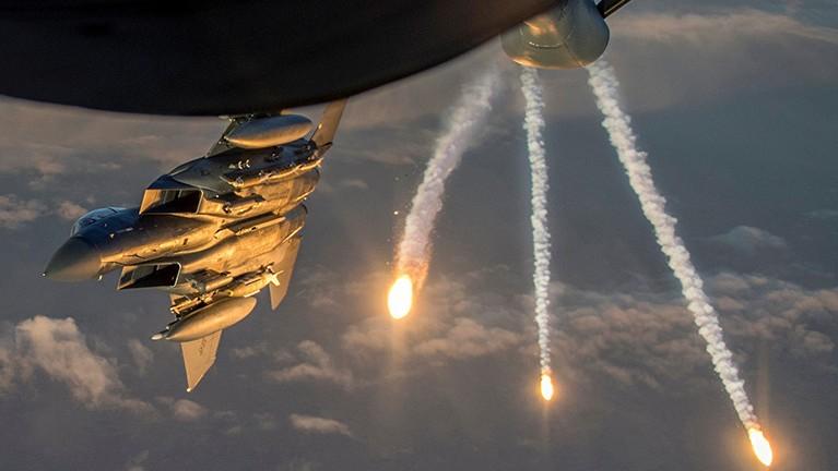 Coalición internacional lanza 14 ataques aéreos contra terroristas al este del Éufrates