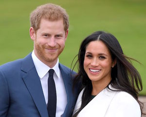 Medium prince harry and pe markle attend an official photocall news photo 884682898 1539602832