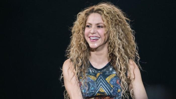 Shakira conoce a su doble en México y el parecido entre ambas es increíble