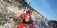 Relacionada kayakismo grandes cascadas