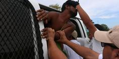 Relacionada detienen migrantes