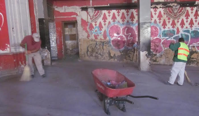 Limpian instalaciones del ex cine victoria 1
