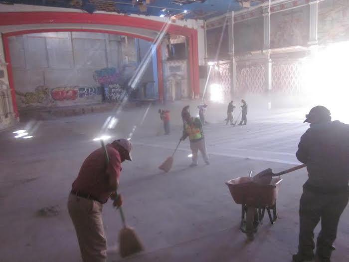 Limpian instalaciones del ex cine victoria