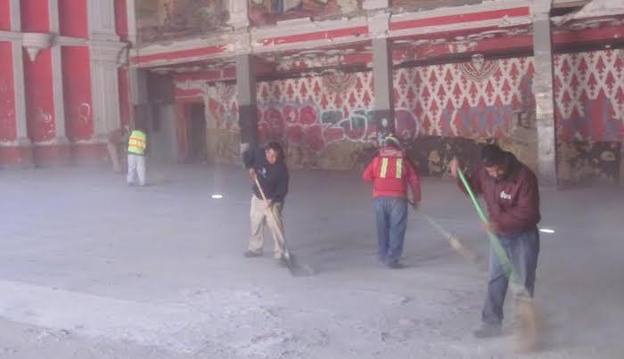Limpian instalaciones del ex cine victoria 2