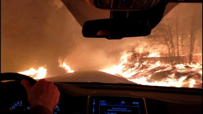 Miley Cyrus pierde su casa por incendio en Malibú