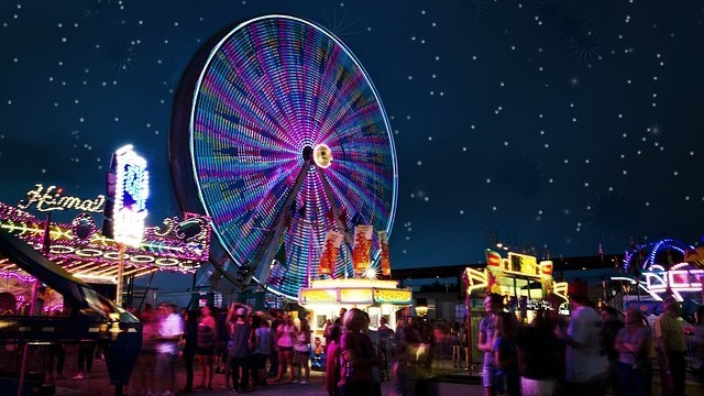 Carnival rides 2648047 640