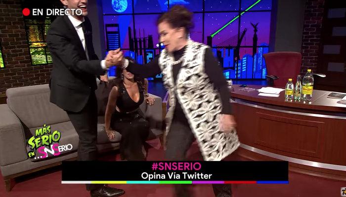 Laura Zapata abandona entrevista tras escuchar el nombre de Thalía