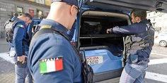 Relacionada polizia italia