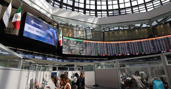 Bolsa Mexicana de Valores cae a su peor nivel desde 2014