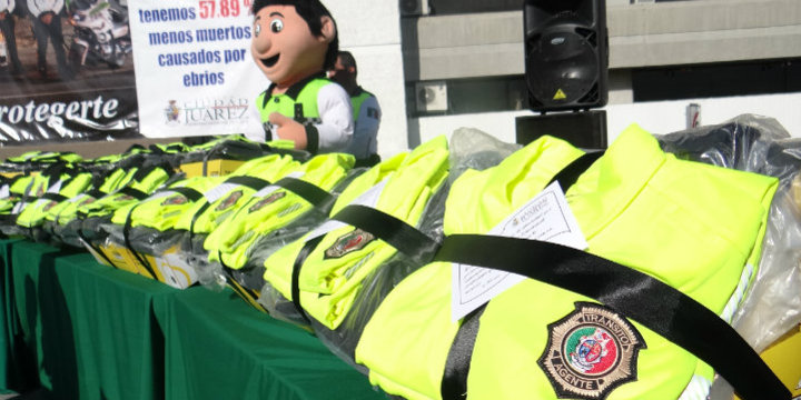Galeria entrega uniformes dgtm1
