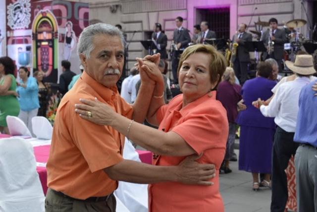 Hoy d a del abuelo tiempo for Espectaculos del dia de hoy en mexico